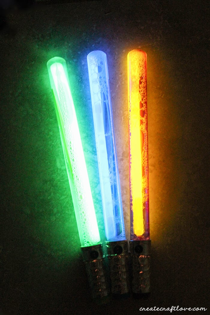 bubble wand lightsabers create craft love. Black Bedroom Furniture Sets. Home Design Ideas