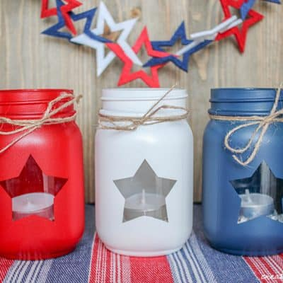 These Patriotic Mason Jars are my favorite 4th of July decoration!
