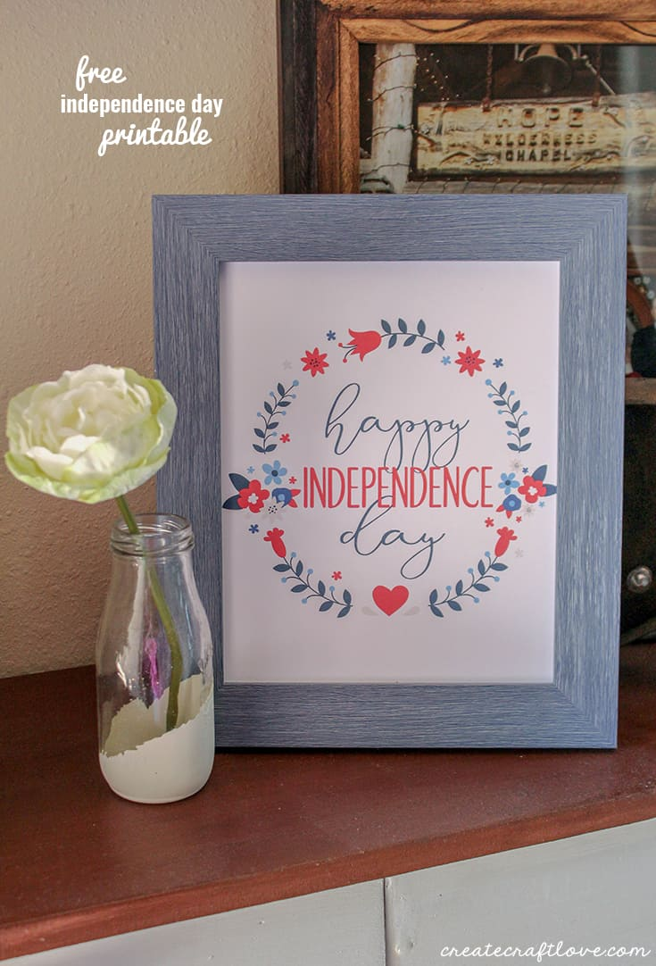 This Independence Day free printable is a quick addition to your 4th of July decor!