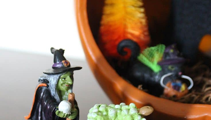 Create your own pumpkin diorama!