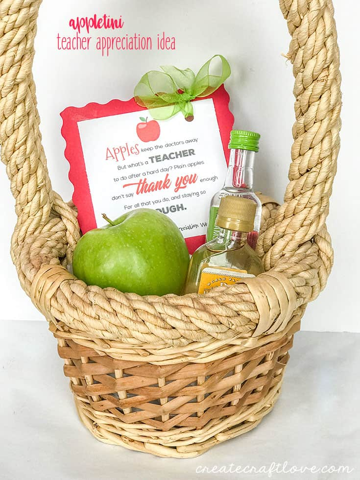 Help them celebrate another year in the books with this Appletini Teacher Appreciation Idea!