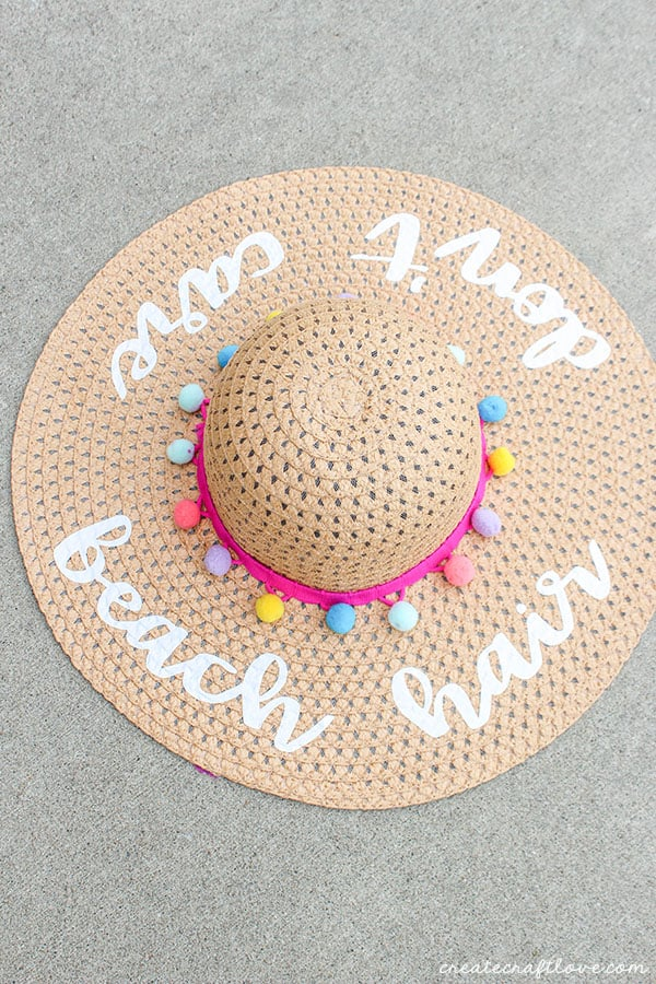 diy beach hat above