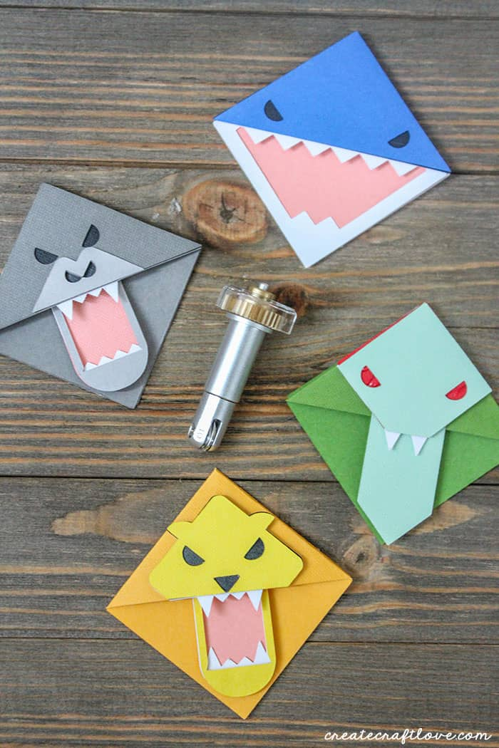 Use the Cricut Scoring Wheel to create these adorable Paper Animal Bookmarks!