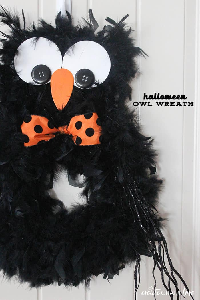 Greet trick or treaters with this adorable and not scary Halloween Owl Wreath!