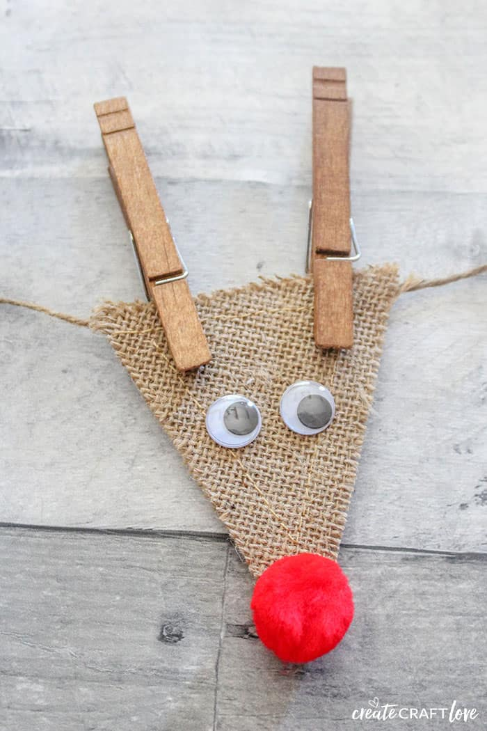 Completed reindeer for Burlap Reindeer Garland