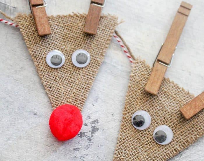 How cute is this Burlap Reindeer Garland?