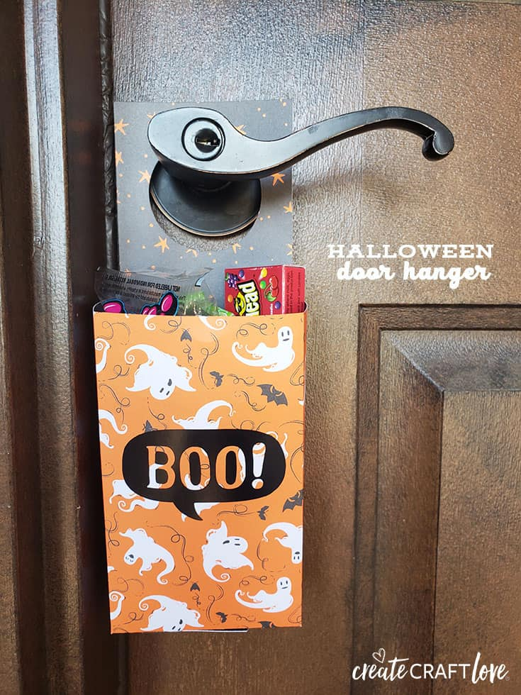 This Halloween Door Hanger is a quick and easy project to whip up for your neighborhood game of You've Been Booed!