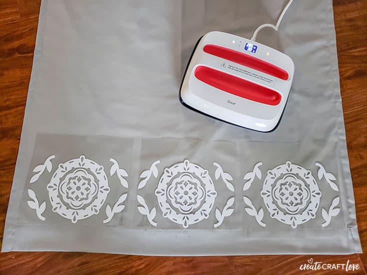 Arrange design on DIY Bedroom Curtains