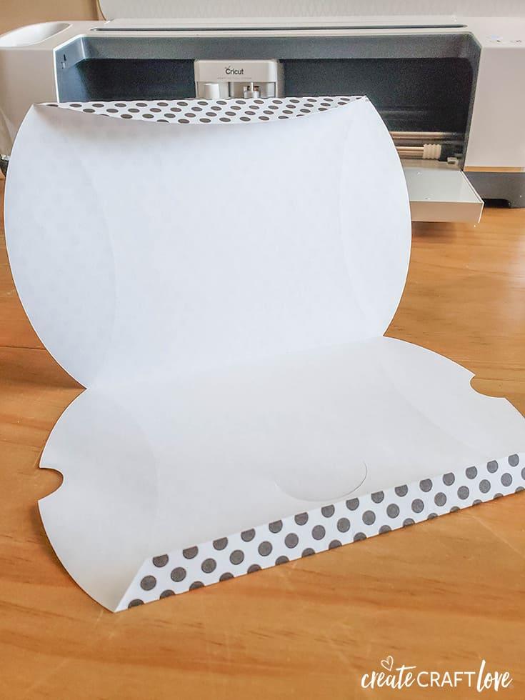 fold score lines on valentine pillow box