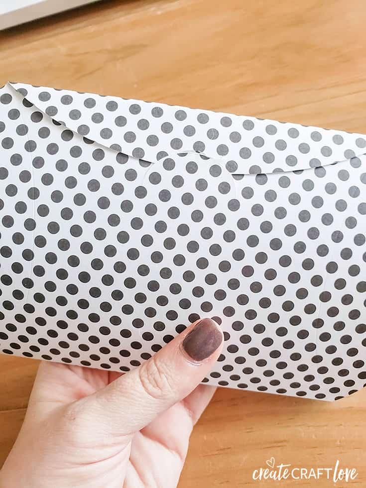 large fold valentine pillow box