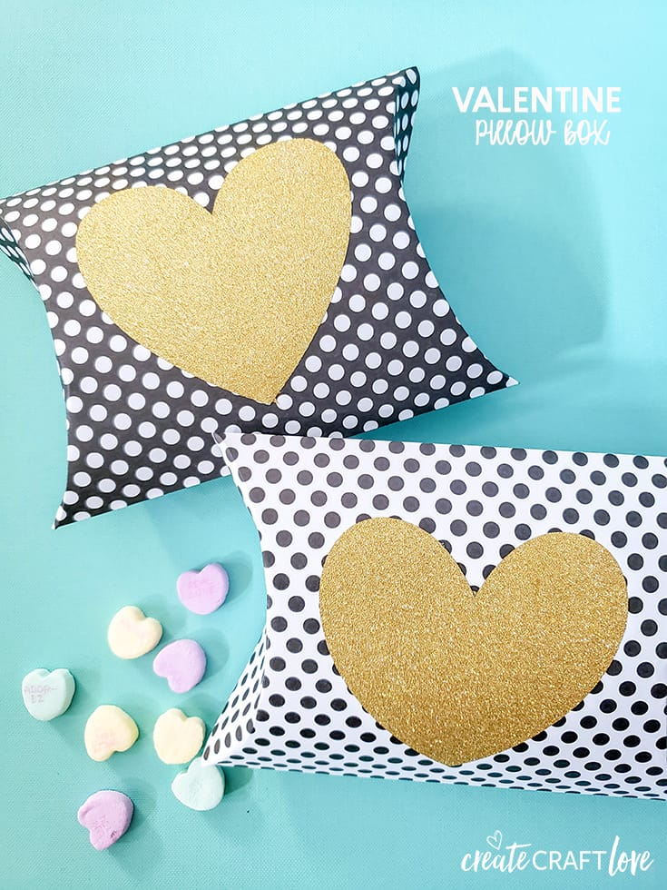 This Valentine Pillow Box is an easy way to pass out treats for classroom parties!