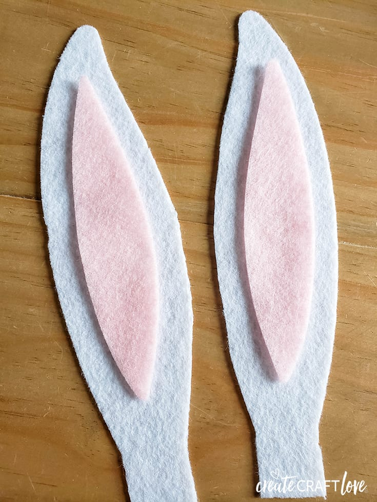 felt ears for easter bunny hoop wreath