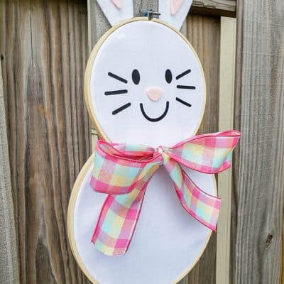 Easter Bunny Hoop Wreath #createcraftlove #easter #hoopwreath #wreath #easterbunny
