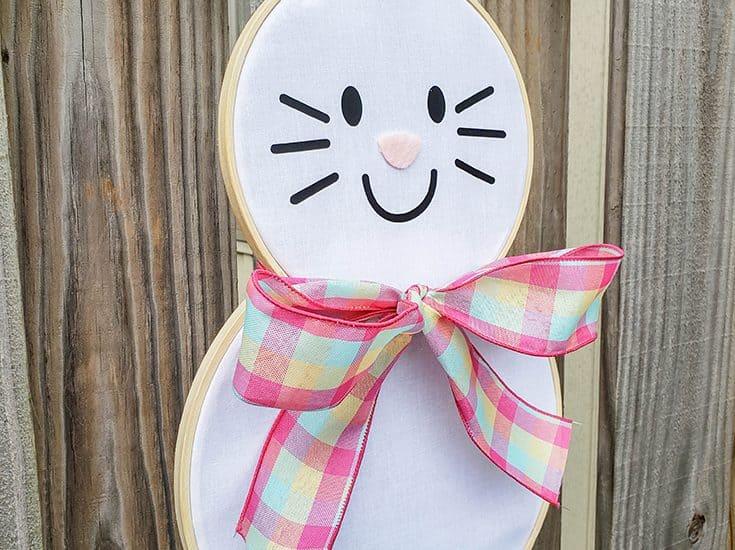 Easter Bunny Hoop Wreath #createcraftlove #easter #hoopwreath #wreath #easterbunny