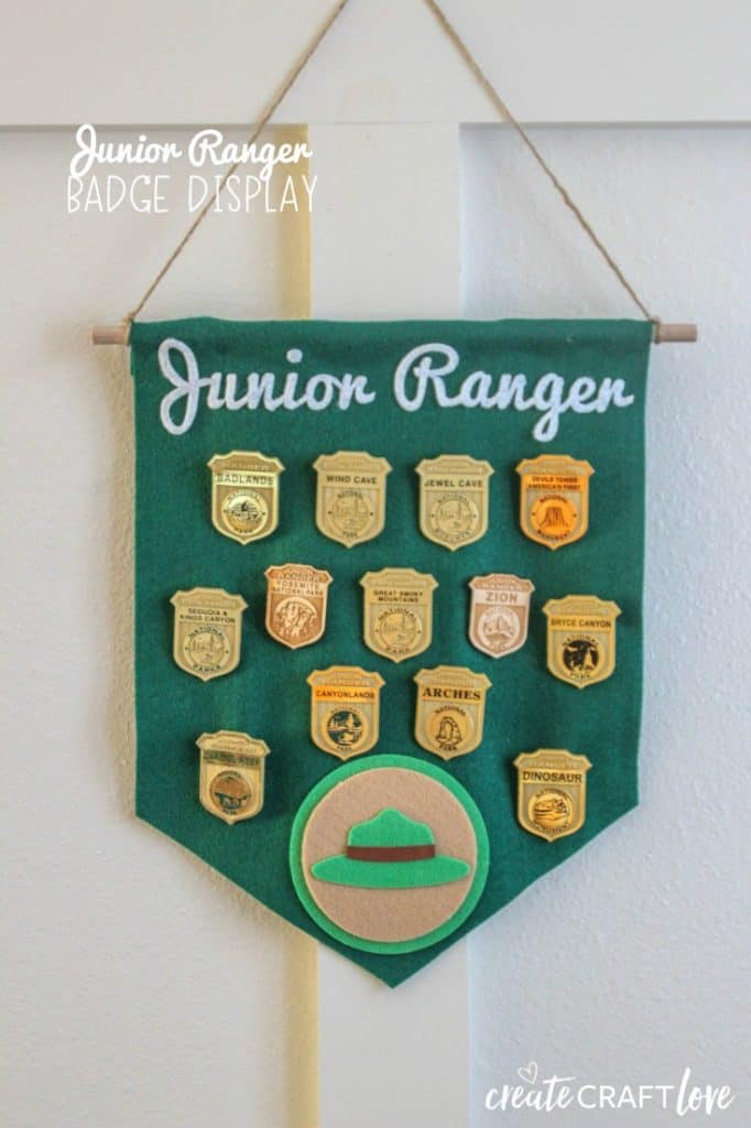 If you love the national parks as much as we do, this Junior Ranger Flare Pin Banner is a great way to display your pin collection! #cricut #flarepinbanner #nationalparks