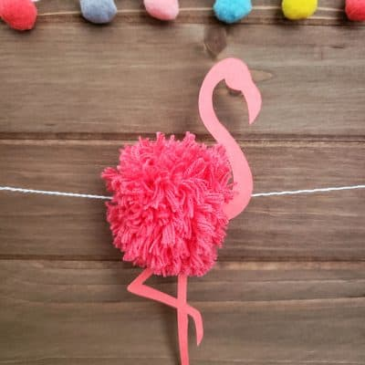 Flamingo Pom Pom Garland #cricut #summer #flamingo #pompom #garland
