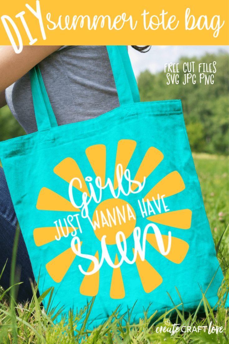 Carry your beach gear in our adorable DIY Summer Tote Bag! #cricut #summer #totebag #DIY