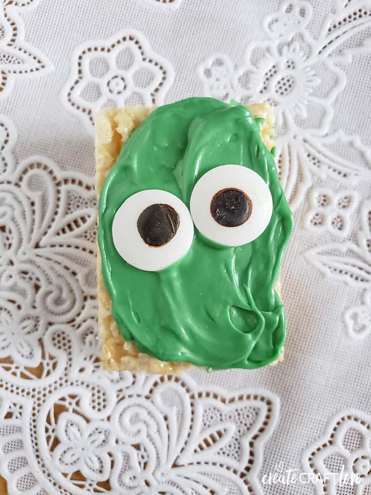 add eyes to green icing