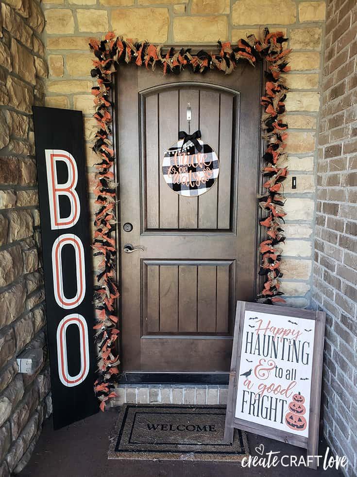 halloween burlap garland porch